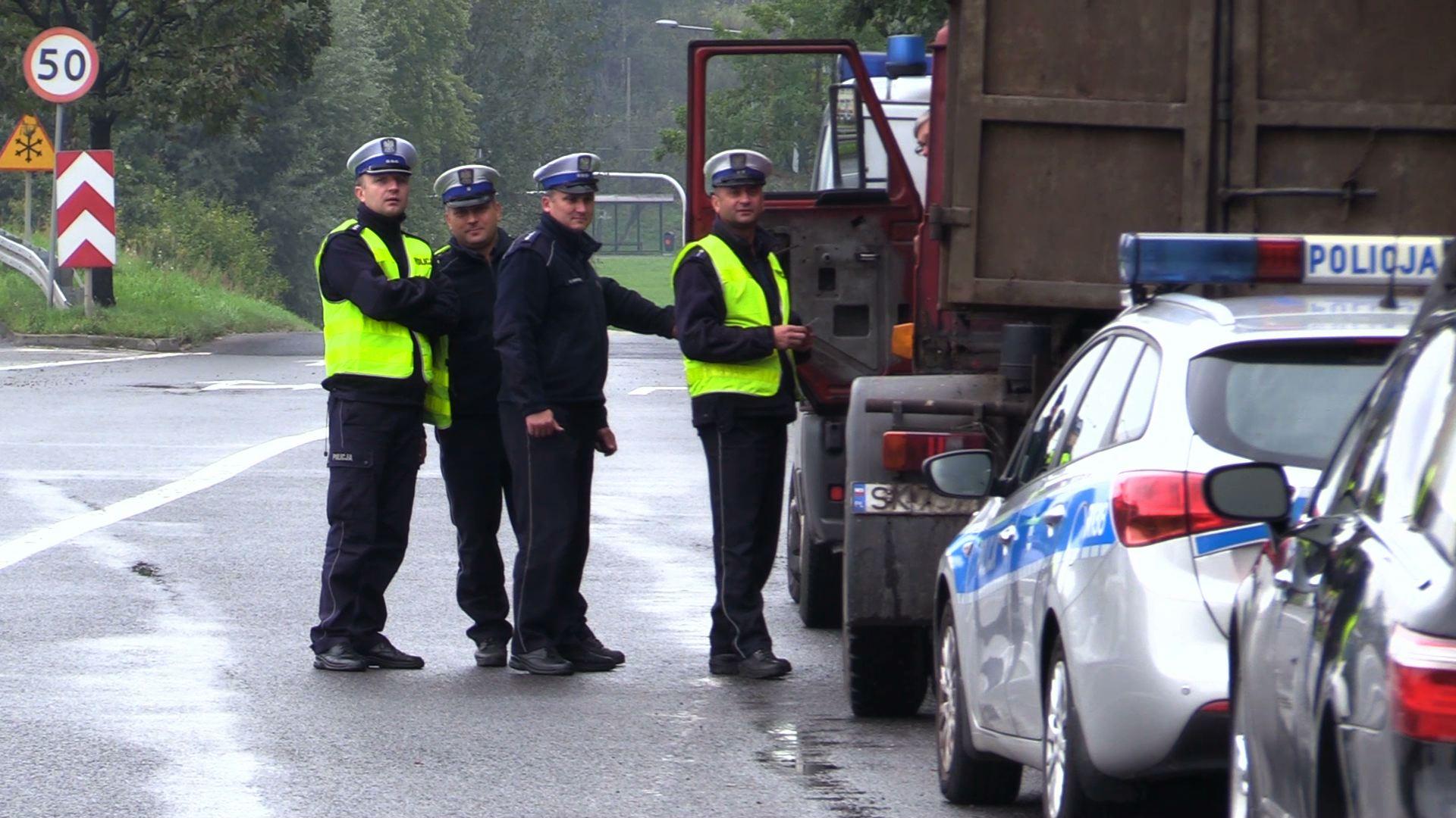 Chorzów: Zabrali mu prawo jazdy, więc kupił sobie nowe i pokazał policji (fot.poglądowe - archiwum policji)