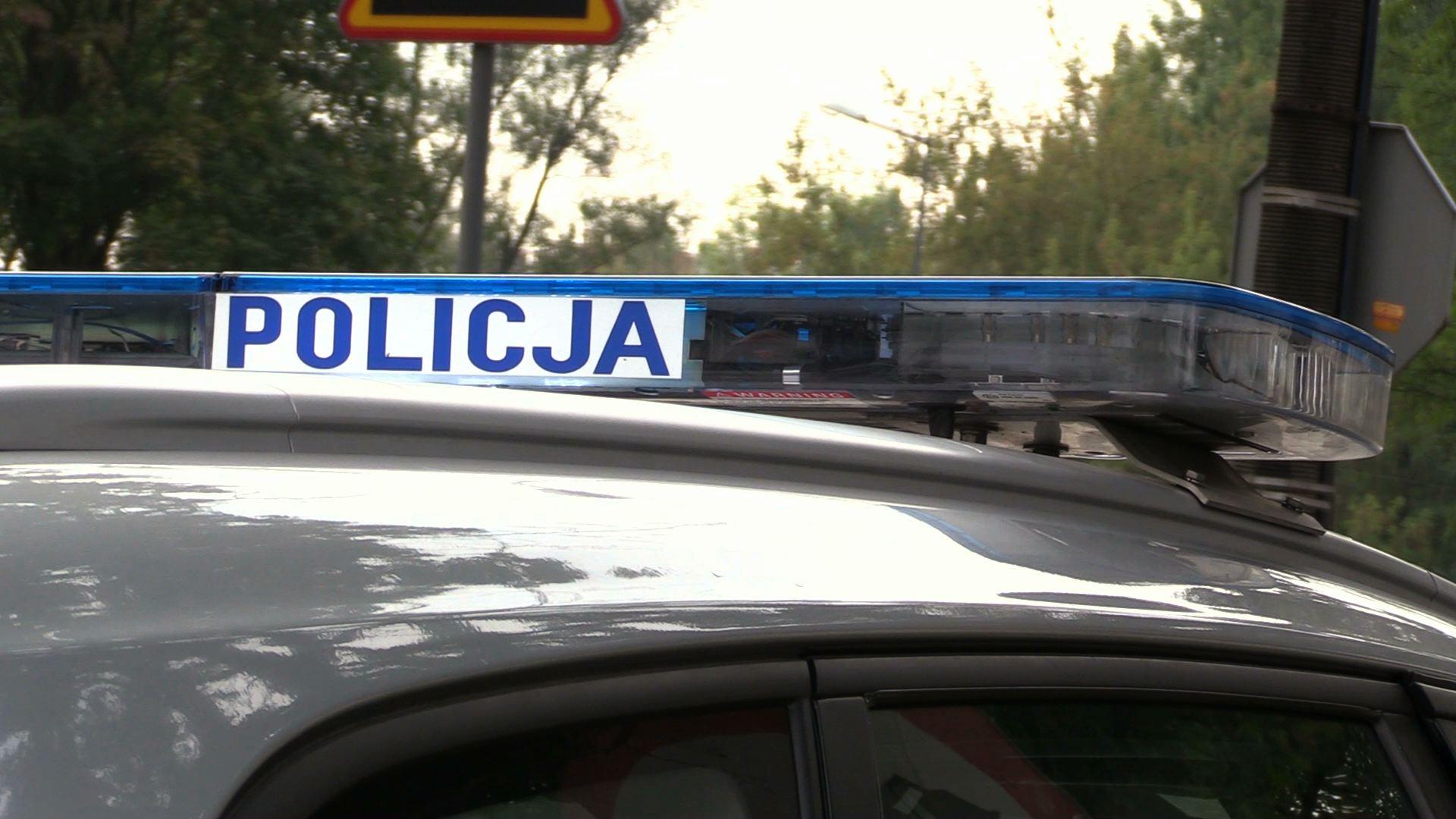 Groźny wypadek w Gliwicach na Przyszowskiej. Samochód potrącił przechodzącą przez przejście 14-latkę.