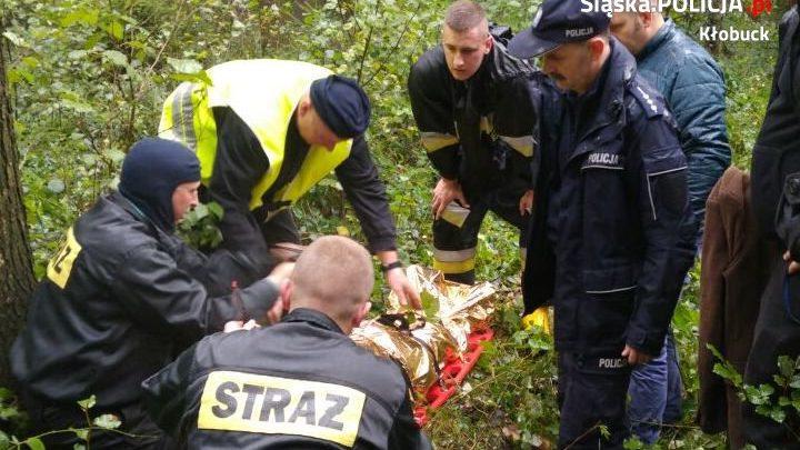 Wycieńczony mężczyzna znaleziony w lesie w Krzepicach