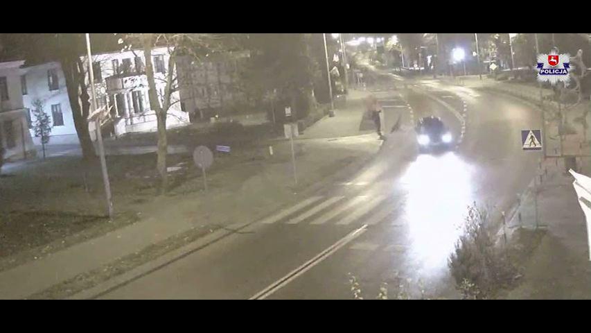 17-latka po kłótni ze znajomym wbiegła na jezdnię wprost pod jadący samochód(fot.policja)