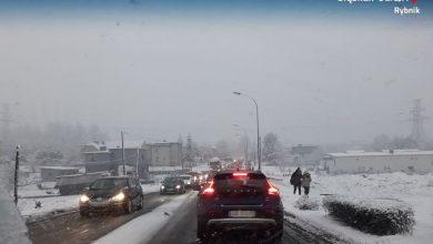 Trudne warunki na drogach w Rybniku [FOTO] Kierowcy uważajcie!