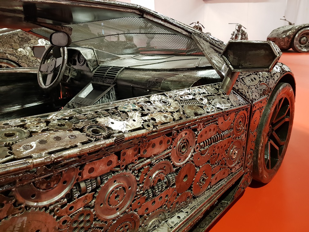 Ogromnie Super samochody, gwiazdy i aktorzy ze złomu [ZDJĘCIA] Jedyna taka LB19