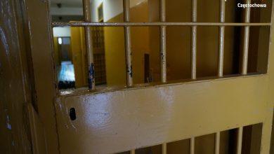 Śląskie: Bił, wykręcał im ręce. 36-latek aresztowany za znęcanie się nad córką, żoną i matką