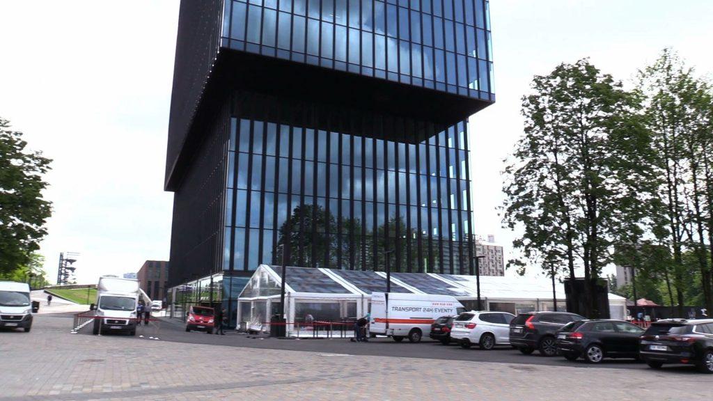 Biurowiec KTW w Katowicach gotowy. Biurowiec, wybudowany tuż obok Spodka w Katowicach został dzisiaj (15.05) oddany do użytku
