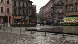 10-letnia dziewczynka pobita na Rynku w Mysłowicach przez 13-latkę. Matka apeluje o pomoc