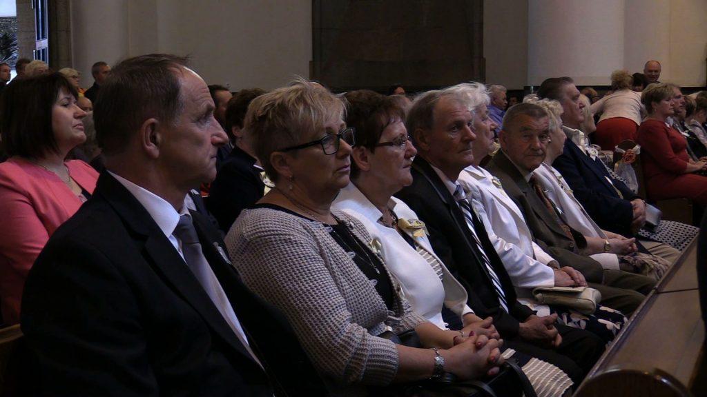 Katowice: Prawie 1000 par świętowało jubileusze małżeńskie w katedrze Chrystusa Króla