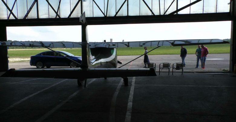 Groźny wypadek na lotnisku Muchowiec w Katowicach. Rozbiła się tu awionetka, która następnie stanęła w płomieniach.