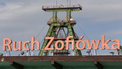 W kopalni Zofiówka w Jastrzębiu-Zdroju ekipy ratowników górniczych znalazły jednego z trzech poszukiwanych od tygodnia górników (fot.TVP)