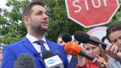 Jaki: Oddałem całą swoją nagrodę, niech teraz to samo zrobią politycy PO (fot.TVP Info)