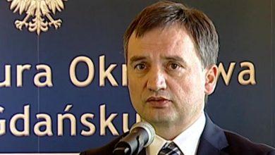 Rozbito gang notariuszy. Wg. ministra Ziobro to działalność lichwiarska (fot.TVP Info)