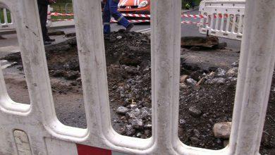 Katowice: Olbrzymia dziura na środku ulicy! Zapadła się część ulicy Kijowskiej