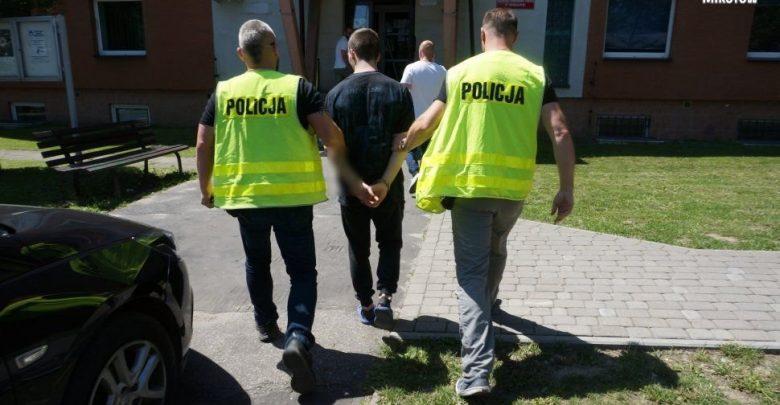 Mikołów: Uprowadzili 15-letniego chłopaka i dotkliwie go pobili. Aresztowano sześć osób! (fot.Śląska Policja)