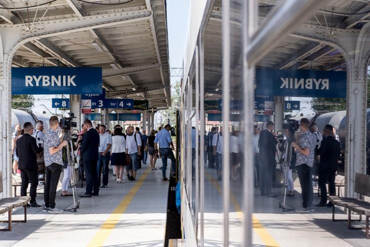Będzie więcej pociągów na linii Rybnik-Wodzisław Śląski. Ruszą na trasę już 10 czerwca! (fot.slaskie.pl)