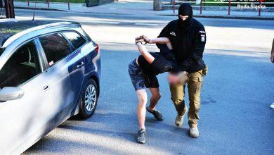 Kibole, którzy pobili nastolatków w Rudzie Śląskiej aresztowani! [ZDJĘCIA] Nastolatkowie oberwali za kibicowanie innemu klubowi (fot.Śląska Policja)