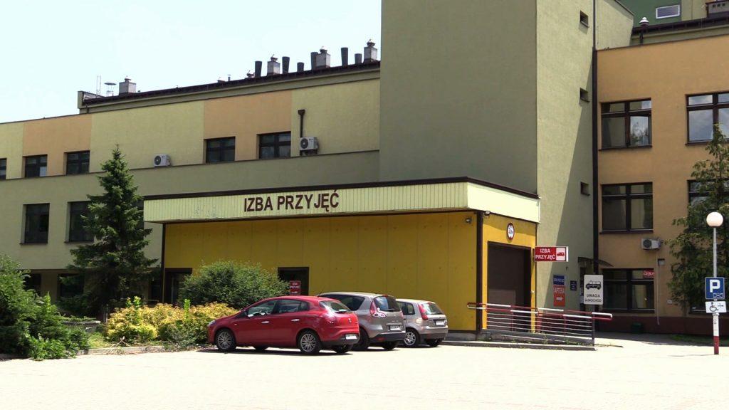 Karetki w Pszczynie dowożą pacjentów do okolicznych szpitali, a to zaczyna utrudniać pracę ratownikom