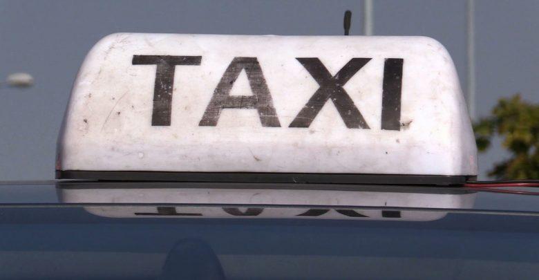Nie spodobała mu się trasa, którą go wiózł. 29-latek próbował udusić taksówkarza