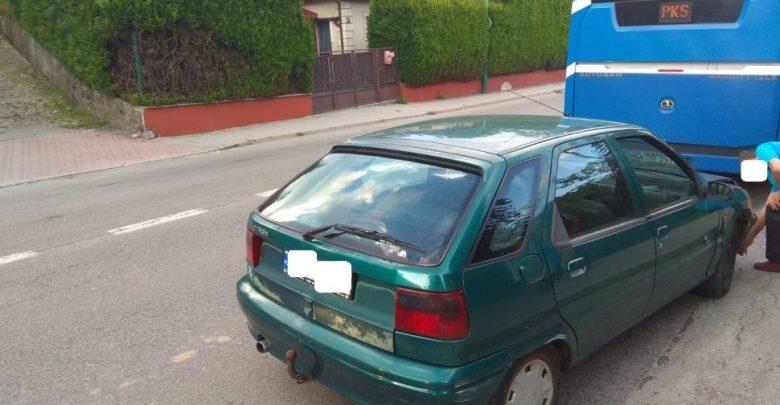 Śląskie: Wjechał w autobus. Kierowca citroena miał ponad 3 promile! (fot.KMP Bielsko-Biała)
