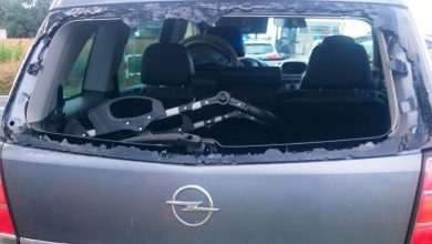 Śląskie: Zdenerwował się na innego kierowcę i wybił mu głową szybę w aucie (fot.KPP Cieszyn)