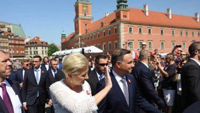 Na dziedzińcu Zamku Królewskim w Warszawie w piątek (13.07) zebrało się Zgromadzenie Narodowe (fot.TVP Info/PAP)