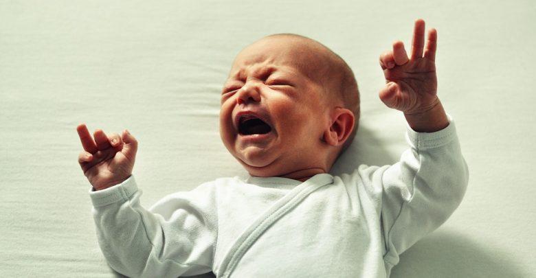 Udusił 2-miesięczną córkę poduszką, później zrobił jej elektrowstrząsy! (fot. poglądowe pixabay)