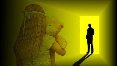 Ojciec przez dwa lata molestował swoją córkę! Nagrywał stosunki i robił zdjęcia (fot. poglądowe pixabay)