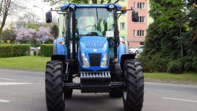 Wjechał traktorem do centrum handlowego. Siekierą demolował wszystko, co się da (fot.poglądowe/www.pixabay.com)