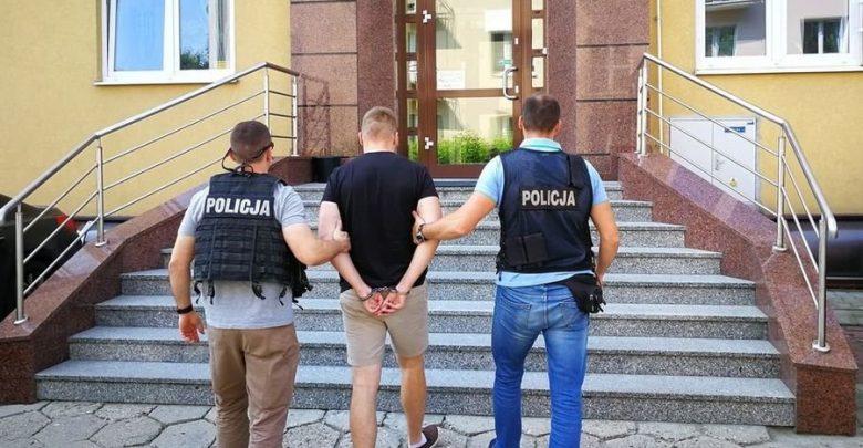 Podpalił 8 dostawczaków. 27-latkowi grozi do 10 lat więzienia (fot.www.policja.pl)