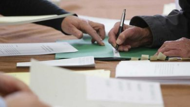 Mniejsze niż zwykle. PKW zdecydowała o formacie kart do głosowania(fot.TVP Info))