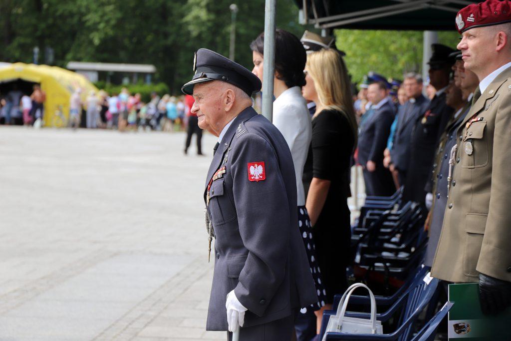 Z okazji przypadającego 15 sierpnia Święta Wojska Polskiego w Katowicach odbyły się dzisiaj (15.08) wojewódzkie obchody tego święta.fot.ŚUW