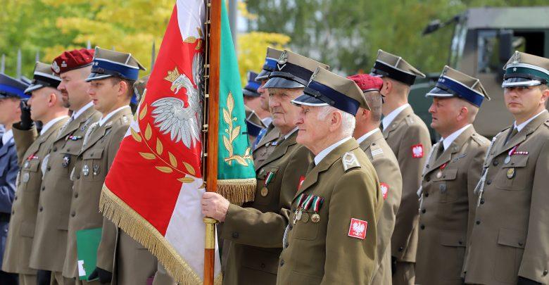 Defilada, kwiaty, pokaz musztry i medale. W Katowicach uczczono Święto Wojska Polskiego (fot.ŚUW)