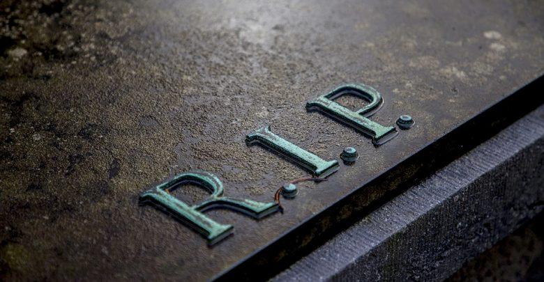 Otworzył jedną z trumien i wszedł do grobu, gdzie były szczątki zmarłego! Stanie przed sądem( (fot. poglądowe pixabay)