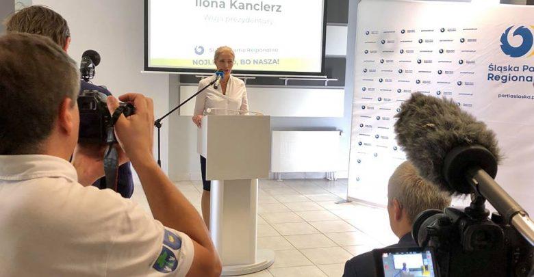 Śląska Partia Regionalna jako pierwsza przedstawiła swój program wyborczy. Złożony z dużej i małej karty (fot.ŚPR/facebook)