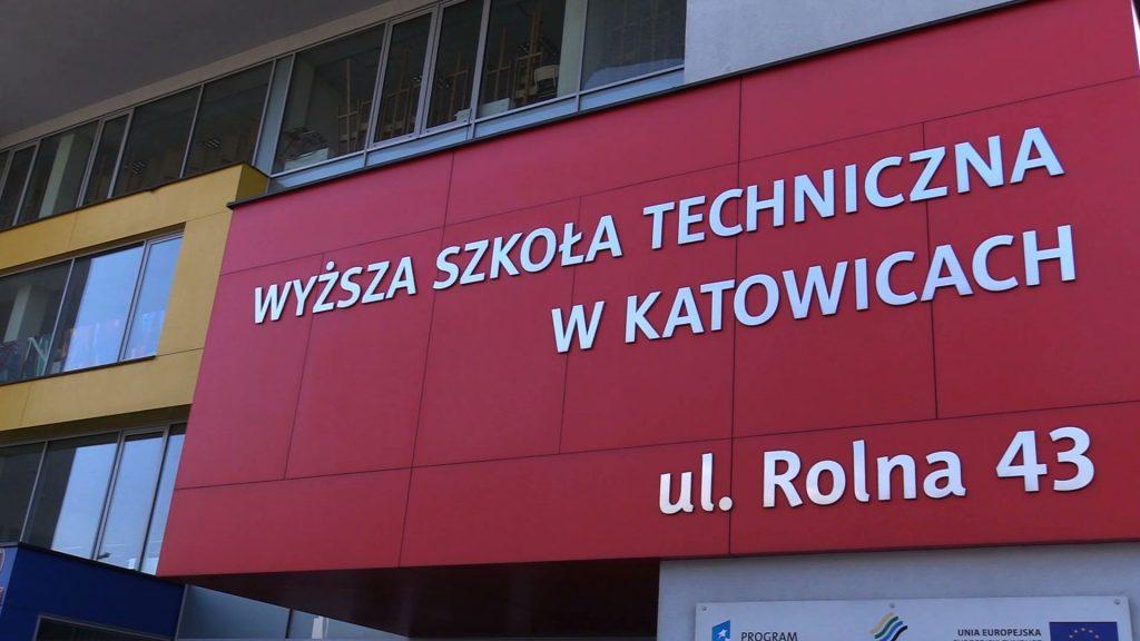 W tym roku Wyższa Szkoła Techniczna zainaugurowała rok akademicki już po raz piętnasty. To dla uczelni rok wyjątkowy - na WST rusza bowiem kierunek medyczny
