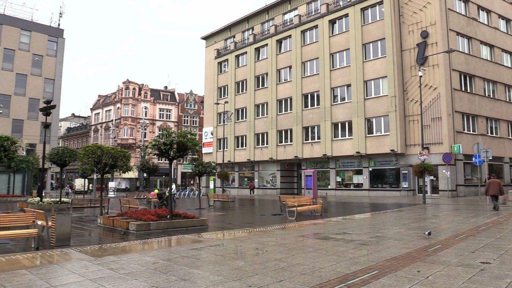 Katowice zamontują czujniki, które będą informowały o smogu mieszkańców