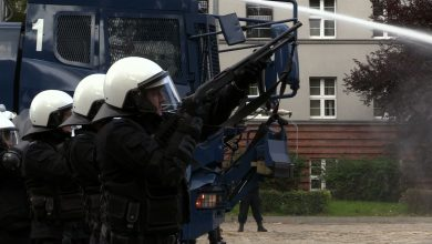 Katowice: Dwie demonstracje na raz! Policja przed szczytem COP24 uczy się tłumić zamieszki