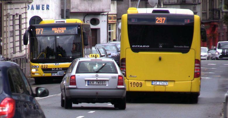 Bezpłatne przejazdy w Dni Smogowe ogłaszane są, gdy normy zanieczyszczeń w powietrzu (pyłu PM 10) przekroczą wartość alarmowe