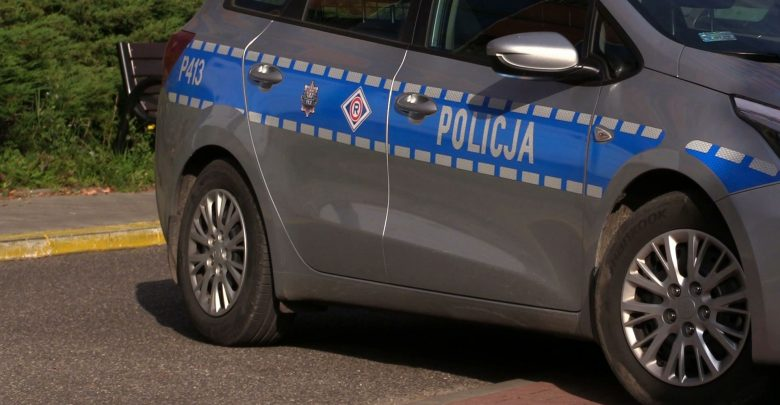 Pijany 81-letni kierowca wjechał w policyjny radiowóz (fot.poglądowe)