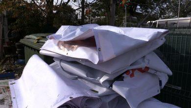 Psy na Śląsku cieszą się z końca kampanii wyborczej. Dostaną wyborcze banery jako ocieplenie bud!