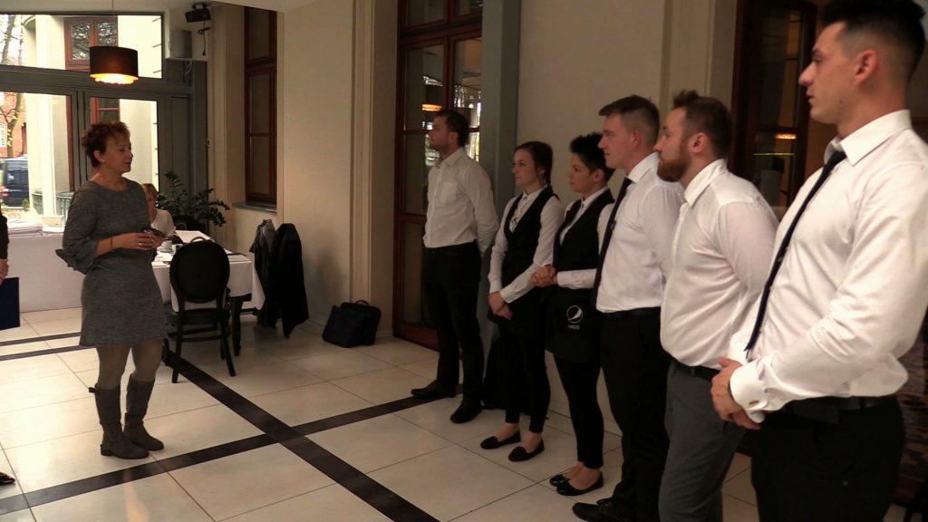 W Chorzowie odbył się pierwszy egzamin czeladniczy w zawodzie kelner organizowany przez Izbę Rzemieślniczą Małej i Średniej Przedsiębiorczości w Katowicach