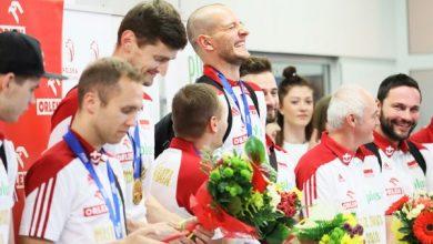 Złote chłopaki już w Polsce! Tłumy na Okęciu witały siatkarskich Mistrzów Świata