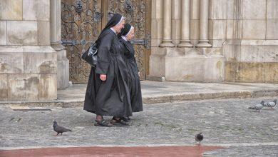 Przyszli do kościoła ukraść skarbonki z datkami. Na ich drodze stanęła zakonnica (fot.poglądowe/www.pixabay.com)