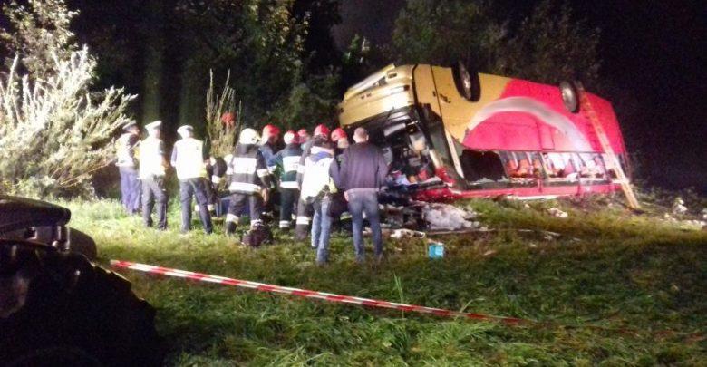 Autokar spadł ze skarpy. Ukraiński kierowca był pod wpływem substancji psychotropowych (fot. policja.pl)