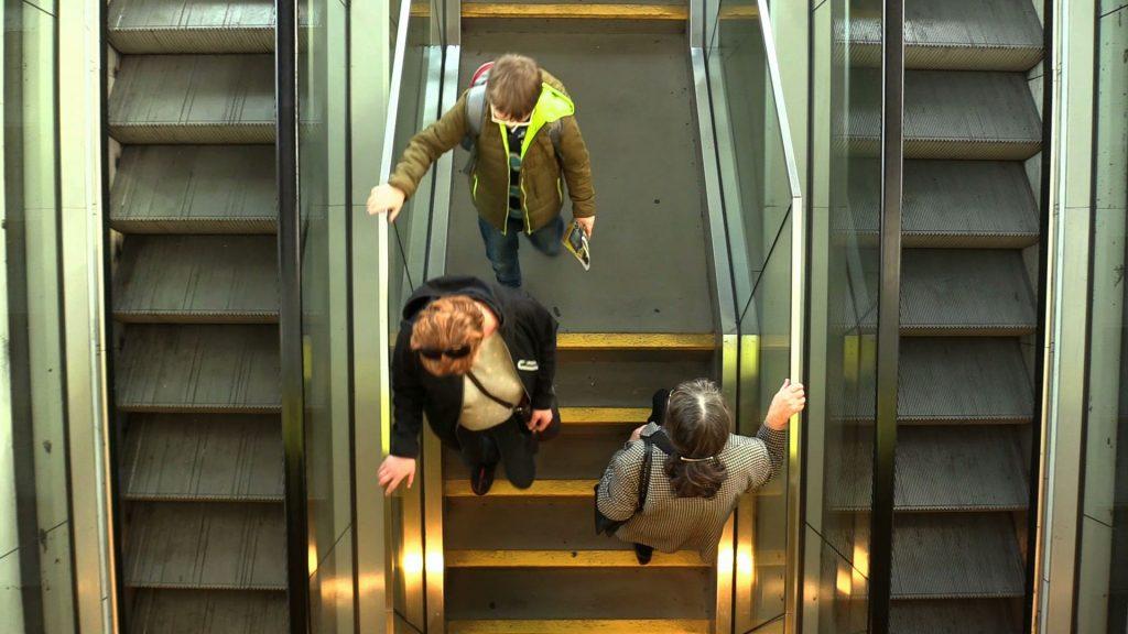 Ruchome schody na dworcu w Katowicach nadal nieruchome. Kiedy ruszą?