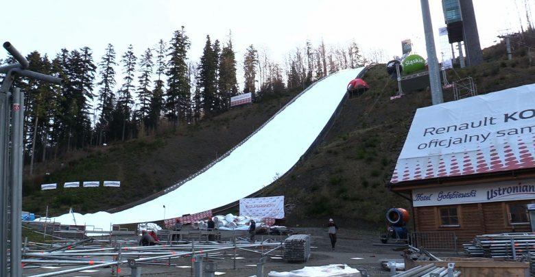 Produkują śnieg już ponad miesiąc. Zdążą na Puchar Świata w Skokach Narciarskich Wisła 2018?