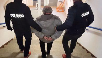 Miał złapać za krocze małego chłopca i molestować jeszcze piątkę innych dzieci. 67-latek został aresztowany (fot.KWP Gdańsk)
