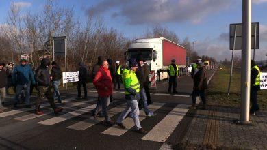 Pracownicy Aweco w Tychach zablokowali DK 44. Mają dość tego, co robi z nimi pracodawca