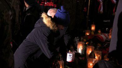 Katowice: To już 37 lat. Pod kopalnią Wujek odbyły się uroczystości upamiętniające rocznicę pacyfikacji KWK Wujek