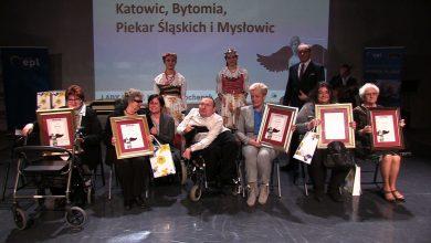 Na scenie Teatru Śląskiego w Galerii Katowickiej odbyło się podsumowanie kolejnej edycji konkursu Lady D. im. Krystyny Bochenek