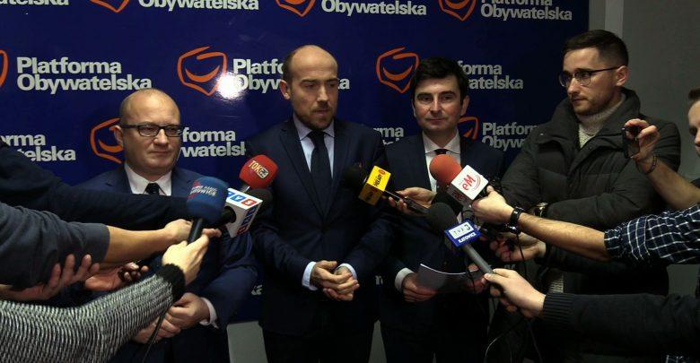 Posłowie Platformy Obywatelskiej składają do prokuratury zawiadomienie o podejrzeniu popełnienia przestępstwa przez Wojciecha Kałużę
