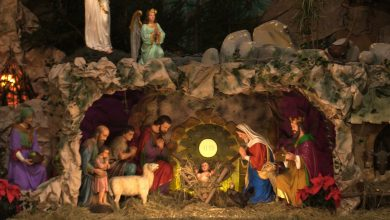 Szopka w Panewnikach, rok rocznie stawiana w bazylice ojców franciszkanów już odsłonięta